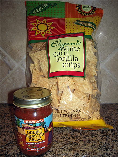 TJ's Organic White corn tortilla chips