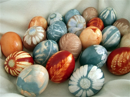 Natural Dyed Easter Eggs by Big Sis Lil Sis